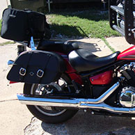 Thomas '14 Yamaha V Star 1300 w/ Charger Series Motorcycle Saddlebags