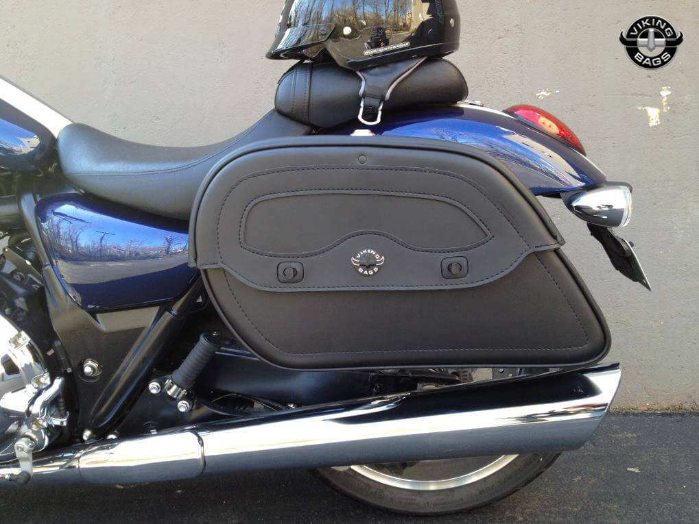 Triumph america motorcycle saddlebags warrior leather from for Motor cycle saddle bags
